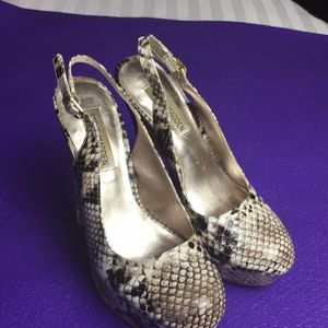 Steve madden ladies shoe size 6.5M